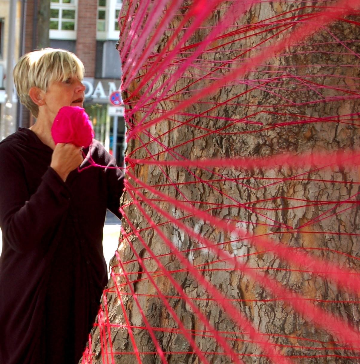A.M.-Can-Installation-Juni-2011-Elisengarten-Aachen-strickt-schön51