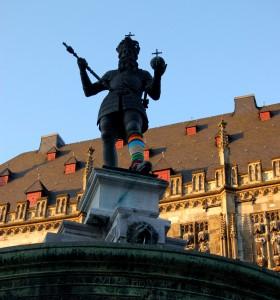 aachenstricktschön Beinkleid Kaiser Karl Aachen